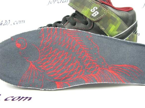 Nike SB Dunk Mid Premium - Goldfish