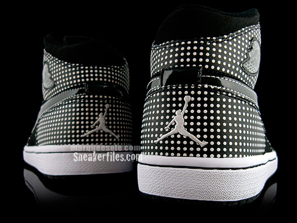 Air Jordan I (1) Mid - Black / White | Polka Dot