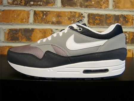 Nike Air Max 1 - Medium Grey / White - Dark Obsidian