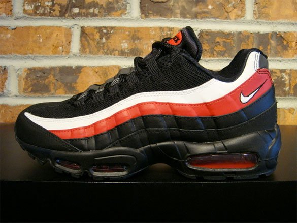 Nike Air Max 95 - Black / White / Varsity Red