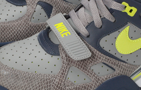 Nike Air Trainer III LE - Light Charcoal / Volt