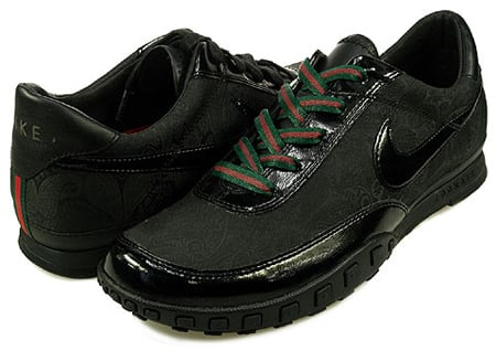 Nike Waffle Racer 3 - Gucci - Black / Black - Red