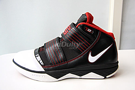 23b1c0a6172 ... Nike Zoom Lebron Soldier III (3) - Black White Red ...