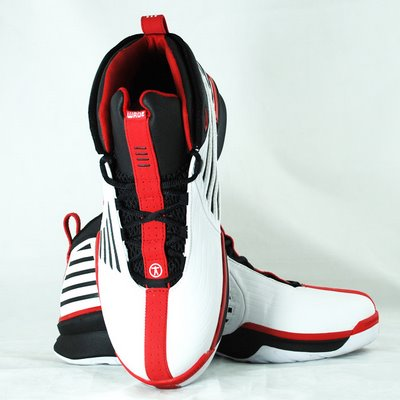 wade-4-white-black-red1