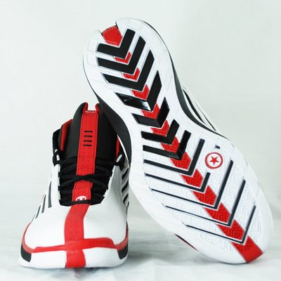 wade-4-white-black-red3