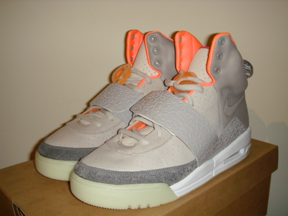 Nike Air Yeezy - Zen Grey / Light Charocal