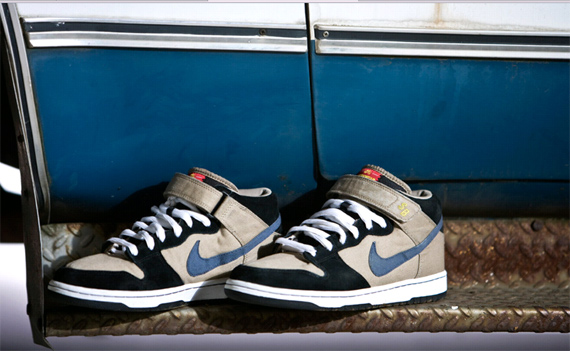 Nike Dunk Mid Premium SB - Khaki/Medium Denim