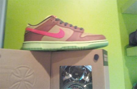 Nike SB Dunk Low - Toxic Avenger