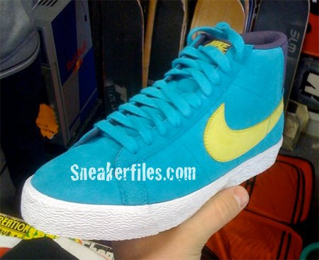 Nike SB Non-Dunk Holiday Preview