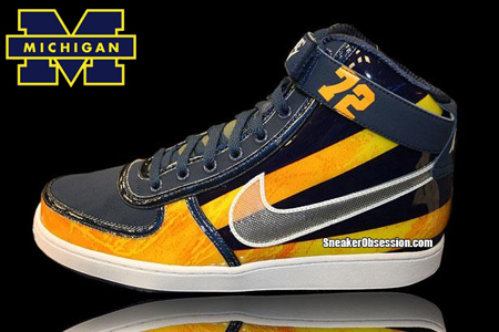 Nike Vandal 'Michigan Wolverines' - College Football Helmet Pack