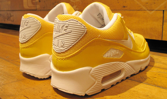 Nike Womens Air Max 90 - White / Maize
