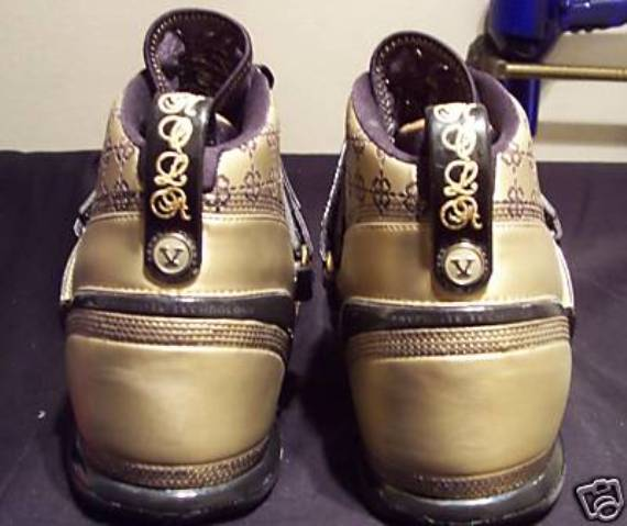Nike Zoom Lebron V (5) Unreleased Friends & Family Sample