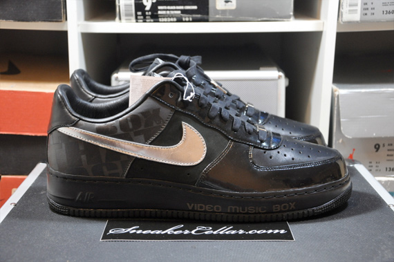 Nike Air Force 1 - Video Music Box 25th Anniversary