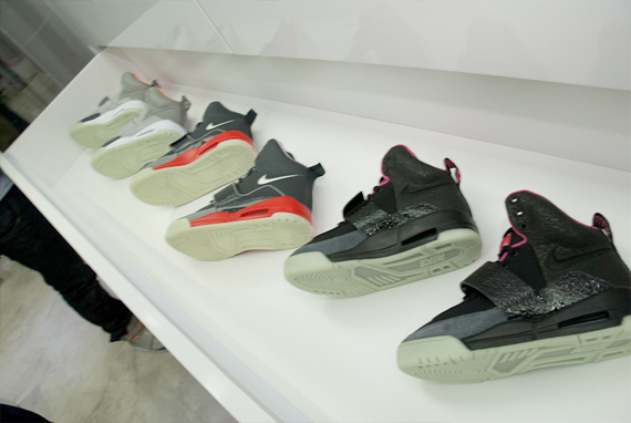 Nike Air Yeezy - Black / Grey - Red