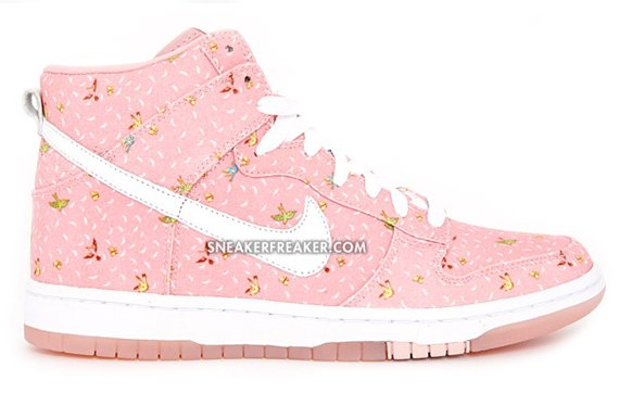 Nike Womens Dunk High Quickstrike - Doves & Butterflies