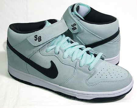 Nike SB Dunk Mid - Ice Green / Dark Charcoal