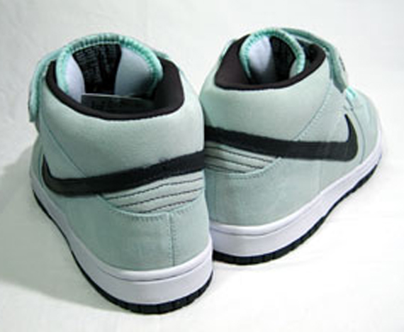 Nike SB Dunk Mid - Ice Green / Dark Charcoal