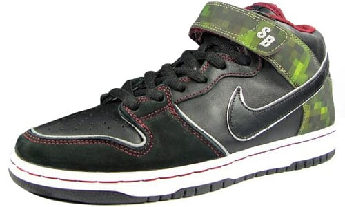 Nitraid x Nike Dunk SB Mid Elite