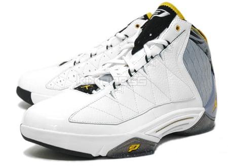 Jordan CP3 II - White / Goldenrod - Stealth - Black