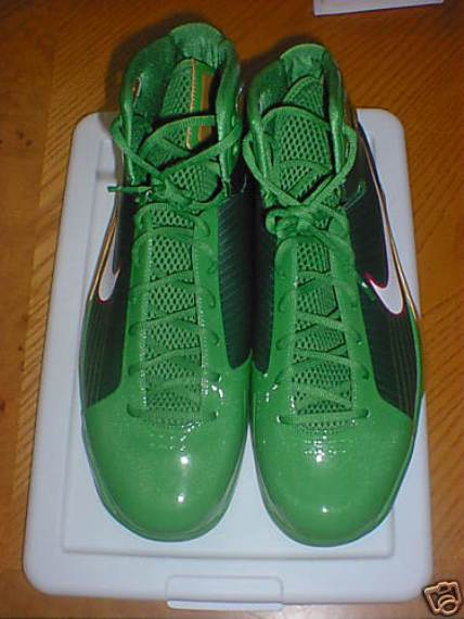 """Big Baby"" Nike X-Mas Day Hyperdunk Available on eBay"