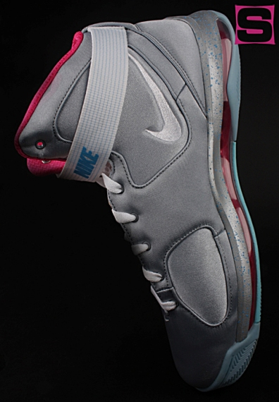 First Look : 'McFly' Nike Hypermax