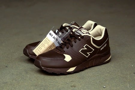 New Balance 850 Chocolate/White