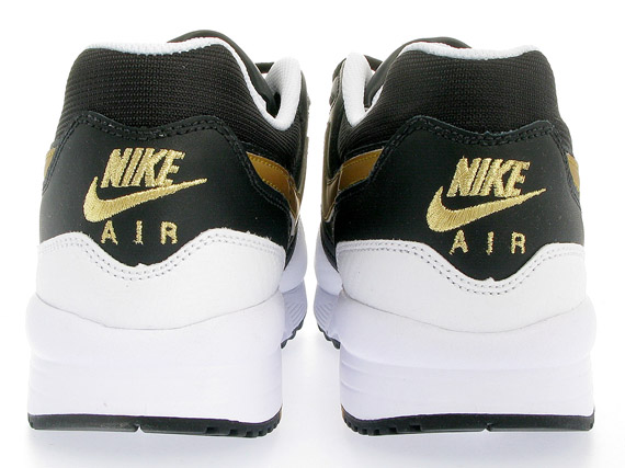 Nike Air Max Light - White / Metallic Gold - Black