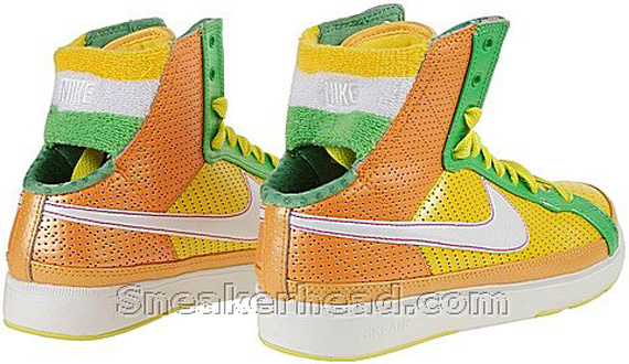 Nike Women's Air Troupe Mid SWT - Varsity Maize / White - Gold Amber - Hyper Verde