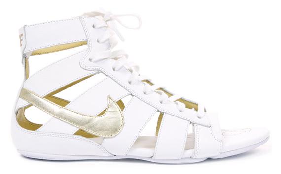 Nike Women's Gladiator Mid - Black, White
