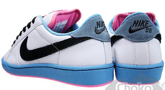 Nike Zoom Classic SB - White / Blue / Pink