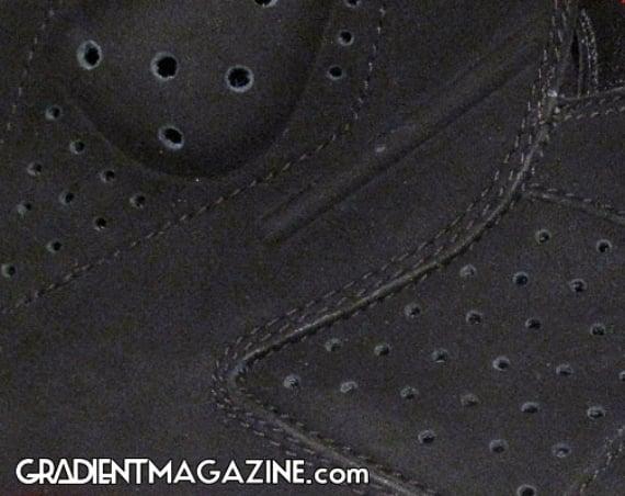 Air Jordan 6 (VI) Retro - Black / Varsity Red