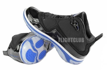 Air Jordan Element - Black / Blue - White