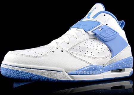 Air Jordan Flight 45 - White / Powder Blue