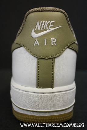 Nike Air Force 1 - White / Khaki - Gum