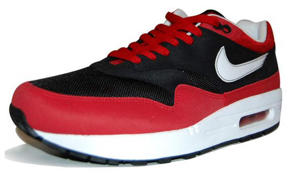 Nike Air Max 1 - Black / Red / White