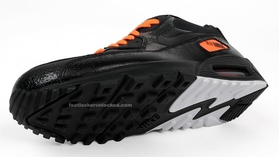 The black/total orange Nike Air Max 90 will be available in Fall '09.