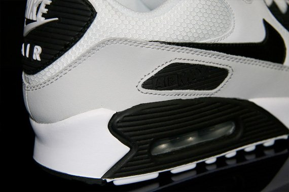 Nike Air Max 90 - White / Black - Neutral Grey