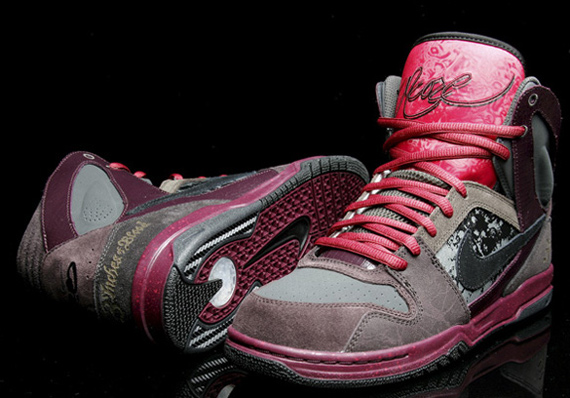 Nike 6.0 Zoom Oncore High - 3 Inches Blood