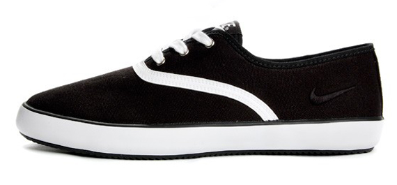 Nike Deuce - Black, White
