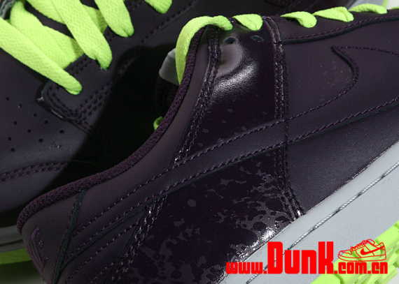Nike Dunk Low CL - Grand Purple / Volt