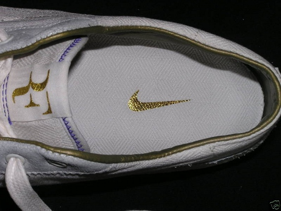 Roger Federer's Off Court Nike Sneakers - 2008 Wimbledon