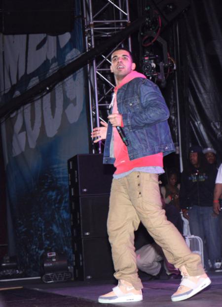Celebrity Shoe Sightings - Hot 97 Summer Jam 2009