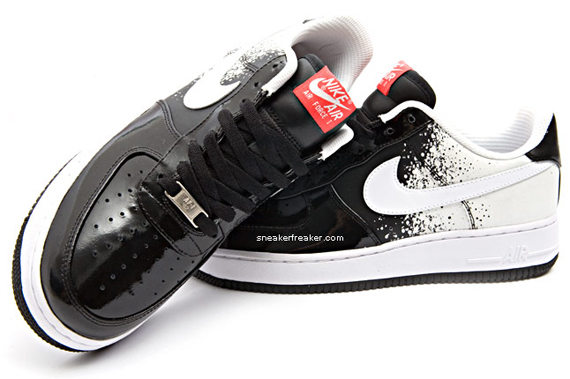 Nike Air Force 1 Tech Challenge - White / Black / Infrared