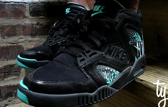 Nike Air Tech Challenge Hybrid - Black / Mint