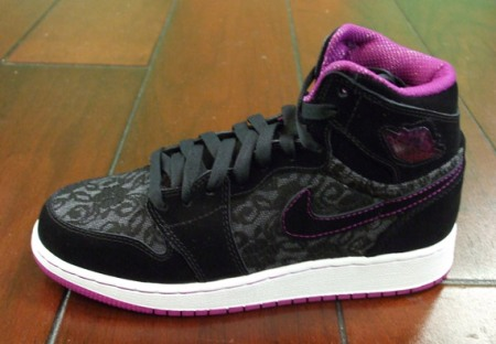 Air Jordan we (1) Retro High (Girls) – Black/Red Plum/White – Aug '09