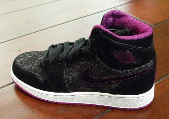 Air Jordan I (1) Retro High (Girls) - Black - Red Plum - White - August '09