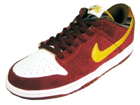 Nike SB Dunk Low Pro - Team Red - Metallic Gold