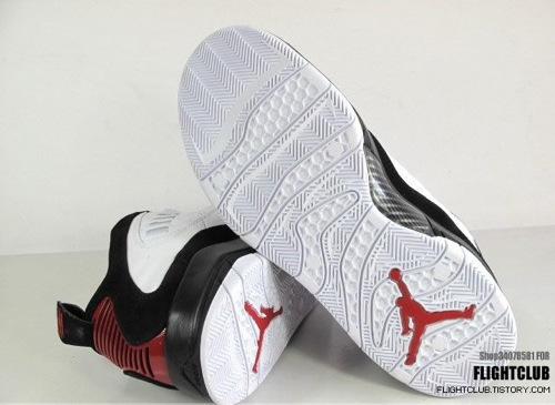 Air Jordan Hallowed Ground White/Black/Red - New Images 3