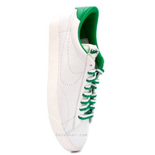 Nike Tennis Classic - Vintage Green