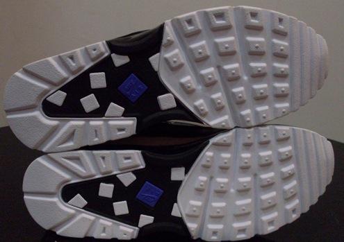 NikeAirClassicBWBlackViolet3